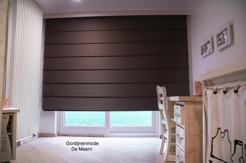 Vouwgordijnen gordijnenmode leidsche rijn gordijnenmode for Raamdecoratie slaapkamer verduisterend