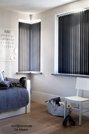 4 lamellen zwart schuin raamdecoratie gordijnenmode leidsche rijn